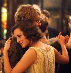 Marion Cotillard & Owen Wilson in Midnight in Paris (2011)