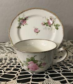 Vintage Crockery, Antique Dishes, Cuppa Tea, Tea Sets, Tea Cup Saucer, Afternoon Tea, Hot Chocolate, Tea Time, Tea Party