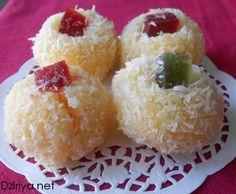 Mchewek : Petits fours à la noix de coco aux fruits confits - Dziriya.net