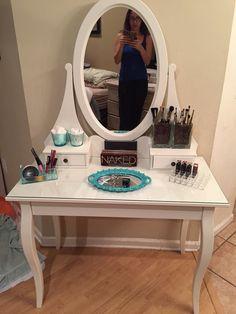 traum schlafzimmer vom profi schminktische ikea und. Black Bedroom Furniture Sets. Home Design Ideas