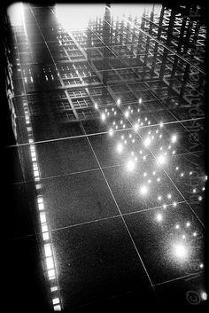 Palais de Justice, Nantes, le 18 avril 2013  Architecture noire, froide et lumineuse de Jean Nouvel.   © Val K.