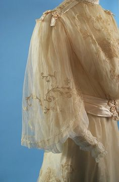 1850 antique wedding photos   antique circa 1890 embroidered net wedding gown lovely antique lace ...
