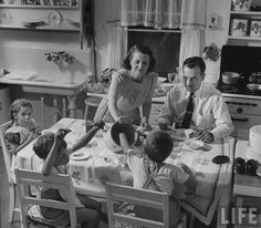 1940s housewife in the kitchen | 1940's Fashion - Housewifes Daily Routine | Glamourdaze