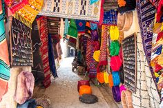 How to deal with touts in Morocco, Fez