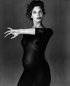 Стефани Сеймур в фотосерии Ричарда Аведона «La Passante Du Siecle» 16