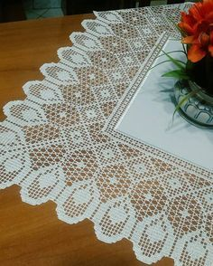 Advertising your small business in interior decor - Crochet Filet Filet Crochet, Crochet Stitches, Knit Crochet, Crochet Tablecloth, Crochet Doilies, Interior Decorating Tips, Interior Design Business, Irish Lace, Crochet Home