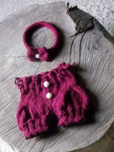 Conjunto confeccionado em tricô.  detalhes - pérolas  cor- vinho  tamanhos - RN/ 1 a 3 / 3 a 6 meses R$ 89,90