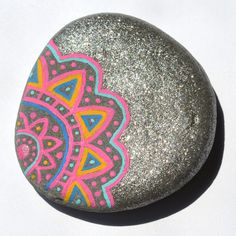 Painted Rocks                                                                                                                                                                                 Más