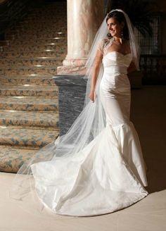 Caroline Castigliano 'Bardot'.  size 10/12.  Amazing silk, fishtail wedding dress.  £1000