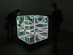 マジックミラーで立方体を作ったら完全に異次元な無限回廊が出現しました   BUZZAP!(バザップ!)