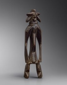 """""""Arti delle Mani Nere"""" for African Arts' Scholars, Connoisseurs and Collectors. Man Ray, Statue, Mani, Weird Art, Figurative, African Art, Africa, Sculptures, Sculpture"""