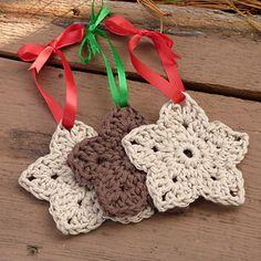 Ravelry: Rustic Star Ornament pattern by Amy Lynn Yarbrough Crochet Stars, Crochet Snowflakes, Love Crochet, Diy Crochet, Crochet Crafts, Yarn Crafts, Crochet Flowers, Crochet Projects, Crochet Ideas