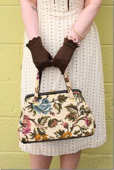 1950s floral tapestry handbag. #vintage   #purse