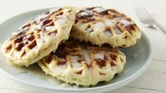 Cinnamon Roll Waffles with Cream Cheese Glaze. Try making cinnamon rolls with your waffle iron! Weekend breakfast will never be the same. Cinnamon Roll Waffles, Pancakes And Waffles, Brunch Recipes, Dessert Recipes, Desserts, Kraft Recipes, Meal Recipes, Waffle Iron Recipes, Cream Cheese Glaze