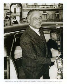 En 1948, Gaston Monnerville est élu dans le Lot et conserve ce mandat sous la Ve République en qualité de sénateur du parti de la Gauche démocratique. Il siège au Sénat jusqu'en 1974.