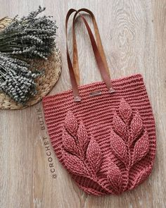 Best 12 Learning new crochet stitches is always a fun way to get inspired to create new crochet patterns. The crochet stitch I'm showing you today is very beautiful. Bag Crochet, Crochet Market Bag, Crochet Handbags, Crochet Woman, Crochet Purses, Love Crochet, Crochet Stitches, Crochet Patterns, Crochet Bag Tutorials