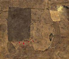 Alberto Burri at the Guggenheim Museum. The major retrospective acclaims the umbrian artist as protagonist of the global art scene after World War II Textile Fiber Art, Textile Artists, Textile Sculpture, Alberto Burri, Italian Artist, Guernica, Ceramic Painting, Fabric Art, Burlap Fabric