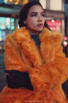Time Square - New York Orange faux fur coat - Winter fashion outfit inspiration Photography Times Square New York, Travel Inspiration, Style Inspiration, Baby Warmer, Winter Fashion Outfits, Winter Coat, Fur Coat, The Incredibles, Photoshoot