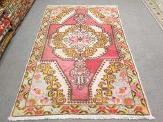 VINTAGE Cappodocia Tribal Turkish Handwoven Rug Carpet  Disstressed Faded Liight Pastel Color ( Unique )      Description    - Design: Traditional