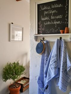 Pikkutalon elämää Letter Board, Organization, Lettering, Home Decor, Getting Organized, Organisation, Decoration Home, Room Decor, Tejidos