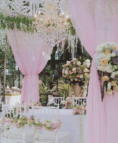 Akad Nikah, Wedding Decorations, Table Decorations, Romantic, Garden, Instagram Posts, Home Decor, Garten, Decoration Home
