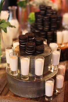 An ode to Oreos 23 Brilliant Ideas For Wedding Snacks Im so gonna do this for my wedding D Wedding Snacks, Wedding Desserts, Wedding Cookies, Cookie Bar Wedding, Wedding Catering, Wedding Food Bars, Wedding Foods, Brunch Wedding, Oreo Wedding Cake
