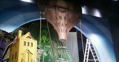 hot air balloon idea - hot air balloon ideas for the wizard of oz - Google Search --- #Theaterkompass #Theater #Theatre #Schauspiel #Tanztheater #Ballett #Oper #Musiktheater #Bühnenbau #Bühnenbild #Scénographie #Bühne #Stage #Set