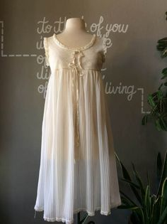 1950s White Sheer Babydoll / 50s Floral Lace Dress by Calligramme