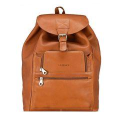 Praktisch und Schick - So sollte die perfekte Tasche für den Sommerurlaub sein. Schaut euch die Top Taschen dieser Saison an Shopper, Leather Backpack, Backpacks, Bags, Fashion, Country, New Shoes, Summer Vacations, Handbags