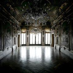 Beautiful Places...Palazzo Papadopoli, Venice, Italy...photo by Matthias Schaller.