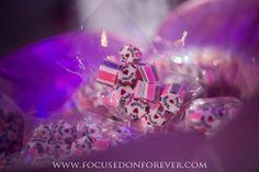#focusedonforever #weddingfavors #candy #weddingphotography #receptiondetails #ido