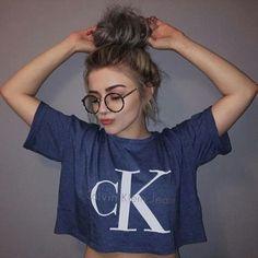 Imagem de girl, Calvin Klein, and style Calvin Klein Femmes, Tmblr Girl, Shotting Photo, Selfie Poses, Selfies, Girl Photography Poses, Teenage Girl Photography, Photo Poses, Photo Tips