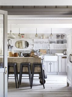 9 minor design tweaks that make your kitchen feel completely remodeled
