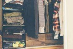 Άνοιξαν την ντουλάπα και «πάγωσαν» με αυτό που είδαν. Ειδοποίησαν την Αστυνομία! Wardrobe Rack, Decor, Decoration, Decorating, Deco