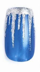 If you're looking to do seasonal nail art, spring is a great time to do so. The springtime is all about color, which means bright colors and pastels are becoming popular again for nail art. These types of colors allow you to create gorgeous nail art. Diy Christmas Nail Art, Holiday Nail Art, Winter Nail Art, Christmas Nail Designs, Winter Nails, Silver Christmas, Simple Christmas, Spring Nails, Xmas Nails