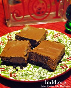 These Mint Truffle Squares are delicious. The perfect combination of chocolate and mint and soooo creamy! #lmldfood