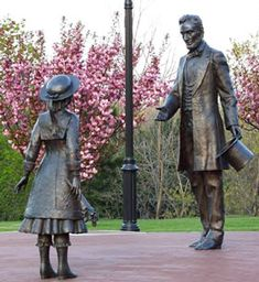 Abraham Lincoln stops on his Inaugural Journey in Westfield NY to meet Grace Bedell. the little girl who had written to Lincoln suggesting he grow a beard. - I Lincoln American Presidents, American Civil War, American History, American Symbols, Alexander Calder, Louise Bourgeois, Best Places To Camp, Civil War Photos, Cute Stories