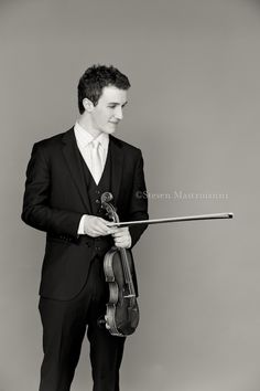 senior pictures with violin | Senior with violin: A portrait