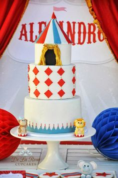 Little Big Company | The Blog: Circus Themed Party filled with fun, dancing and magic! by De La Rosa Cupcakes circus themed cake