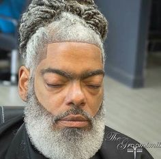 31 Crew Cut Hair Ideas: The Timeless Haircut for Men ready for you. If you wanna try hairs lets ready more and enjoy it. Older Men Haircuts, Older Mens Hairstyles, Hairstyles Haircuts, Cool Hairstyles, Beard Styles For Men, Hair And Beard Styles, Grey Hair, Black Hair, Crew Cut Hair