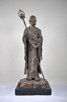 須菩提像 (仏陀波利三蔵) 安倍文殊院  鎌倉時代 国宝 文殊様の左手前に居る僧を、仏陀波利三蔵(当山では、釈迦十大弟子の一人である須菩提と呼んでいる)である。「仏頂尊勝陀羅尼経」の序文の伝説に、登場してきます。