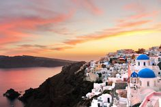 From its history to foods and activities and entertainment, are 50 of the best (but by no means all) things to do in Greece. Best Paris Hotels, Virtual Museum Tours, Seaside Towns, Ancient Ruins, Greek Islands, Rafting, Beautiful Landscapes, Day Trips, Kayaking