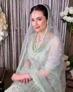 Pakistani Girl, Pakistani Actress, Beautiful Dress Designs, Beautiful Dresses, I Love Girls, My Girl, Designer Dresses, Celebrity Style, That Look