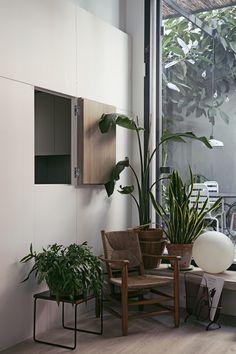 Chez Julia Alzueta | MilK decoration Pierre Chapo, Perriand, Architecture, Cool Pictures, Planter Pots, Sweet Home, Plants, Milk, Decoration