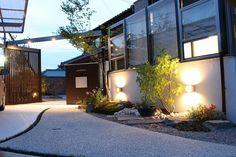 和の空間をやわらかな光で彩る。 #lightingmeister #pinterest #gardenlighting #outdoorlighting #exterior #garden #light #house #home #japanesestyle #soft #warm #和 #和風 #柔らかい #暖かい #光 #庭 #照明 Instagram https://instagram.com/lightingmeister/ Facebook https://www.facebook.com/LightingMeister