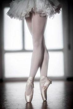 In fourth www.theworlddances.com/ #ballet #twinkletoes #dance