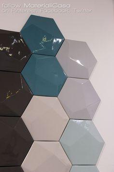 Ottagonale. Tridimensionale. Lucidissima. Tagina ci stupisce sempre! #Cersaie2014 #CeramicTiles Company: Tagina Ceramiche D'Arte