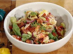 Even though the salad ruins the lobster. I Steamed Lobster Salad by Mario Batali.OMG this is one of the best Lobster recipes ever! Lobster Recipes, Fish Recipes, Seafood Recipes, Salad Recipes, 600 Calorie Meals, Low Calorie Recipes, Healthy Recipes, Steamed Lobster, Lobster Salad