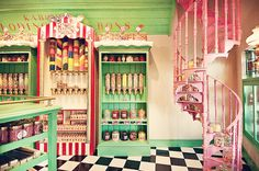 This reminds me of Honeydukes from Harry Potter :D