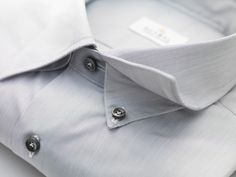 Besides the choice of collar or cuffs, there are around twenty options available for personalising your shirt to suit your shape and your taste.